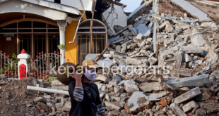 Rescue efforts stepped up as toll from Indonesia quake rises